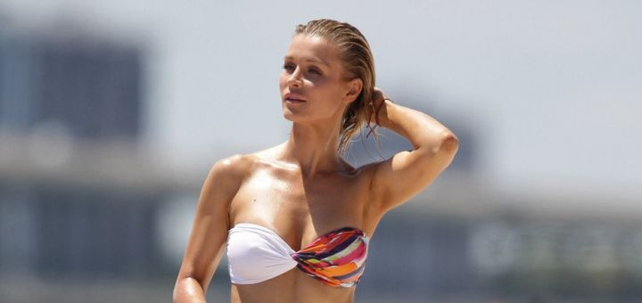 joanna krupa in a bikini in miami
