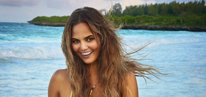 Chrissy Teigen - Sports Illustrated Swimsuit Issue 2016