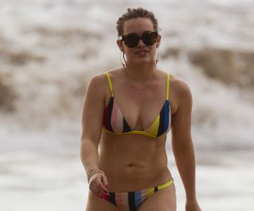 hilary duff in a bikini in maui
