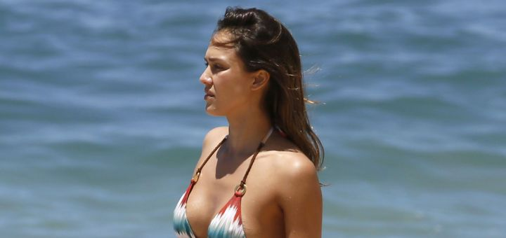 jessica alba in a bikini in hawaii