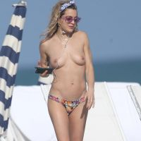 Chelsea Leyland - Topless in Miami