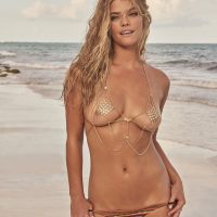 Nina Agdal - Sports Illustrated Swimsuit 2017
