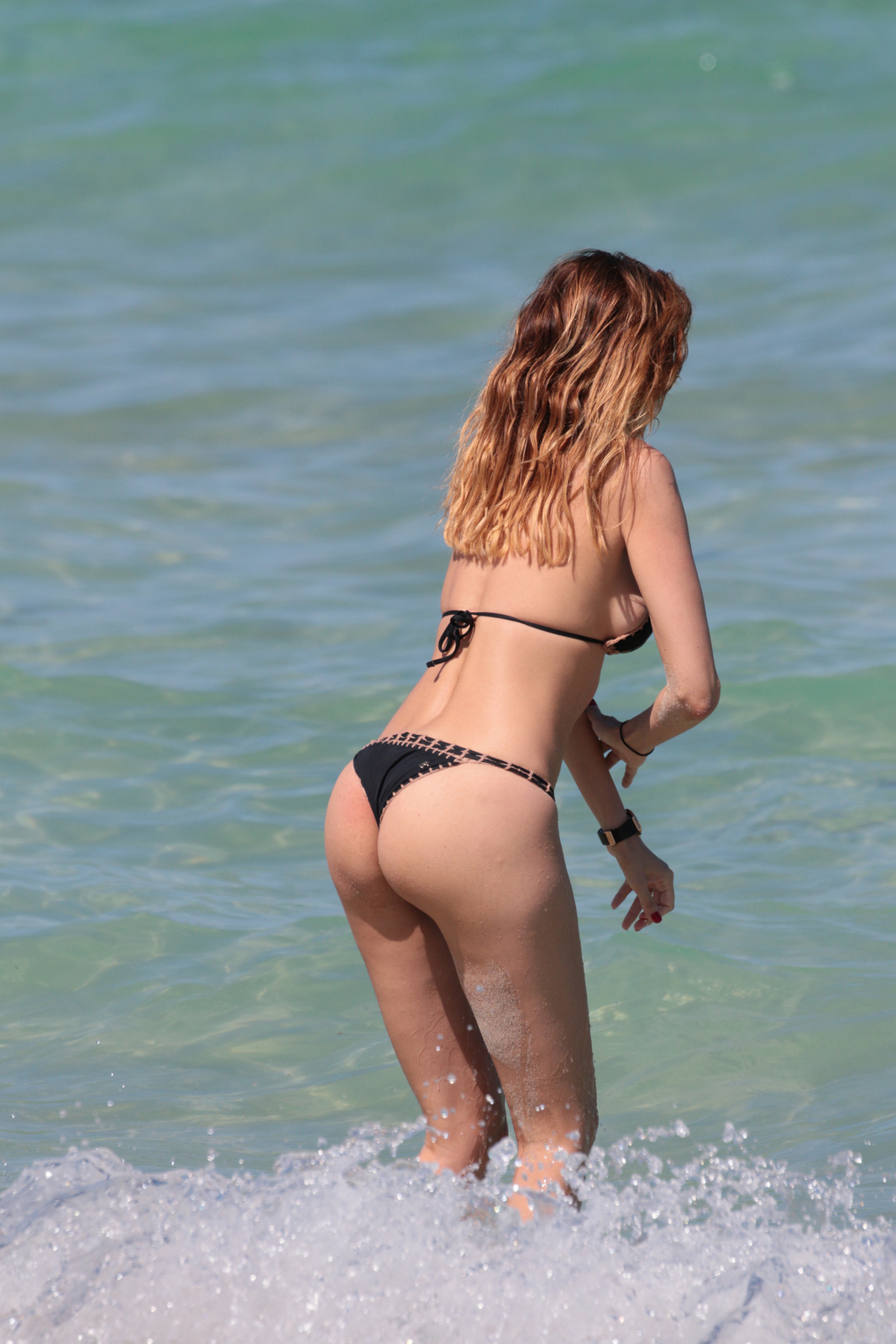 Aida Yespica - In a bikini (Miami)