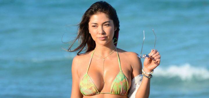 Arianny Celeste - In a bikini (Miami)