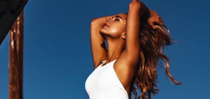Kimberley Garner - Bikini photoshoot (Malibu)
