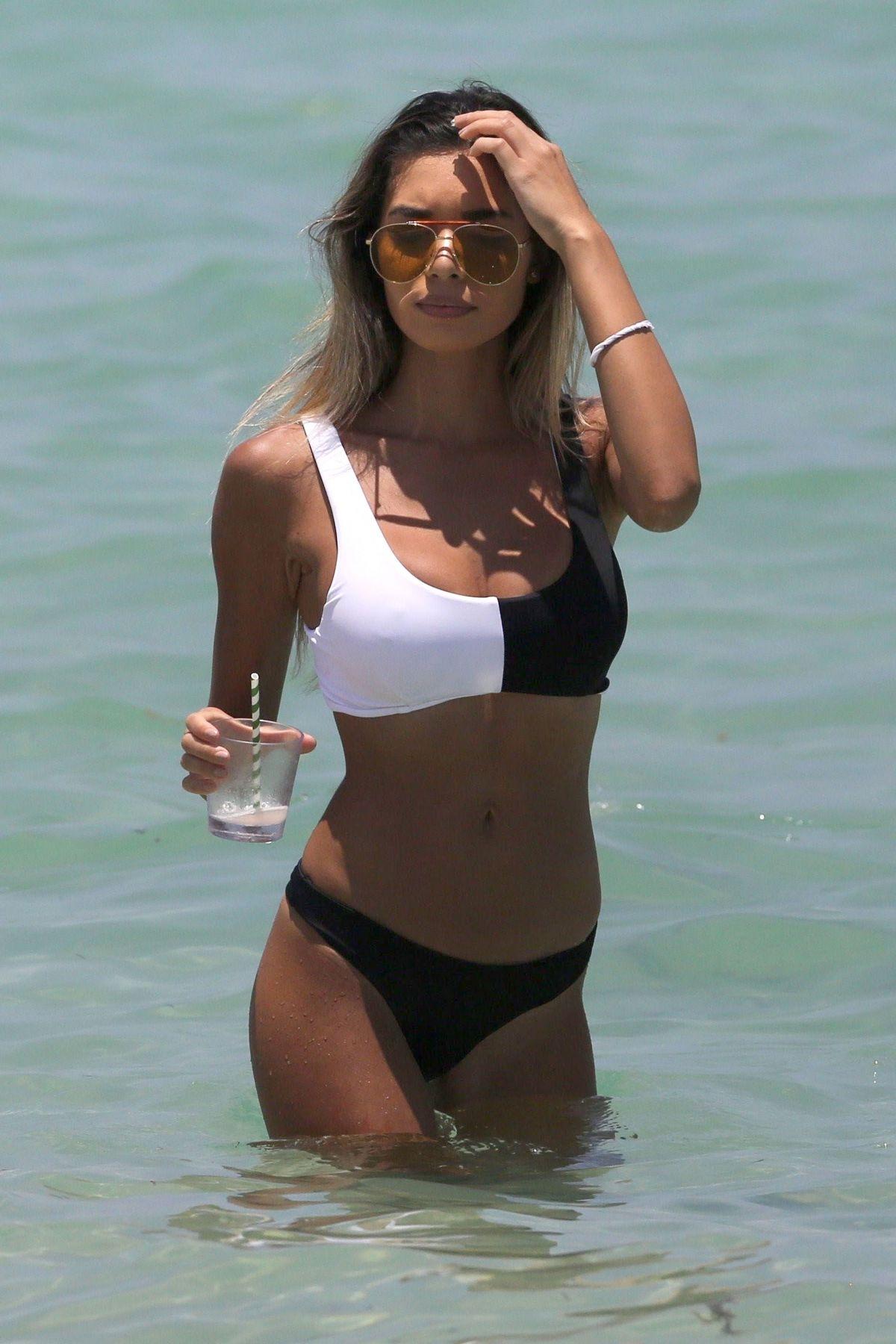 Jasmine Tosh - In a bikini (Miami)