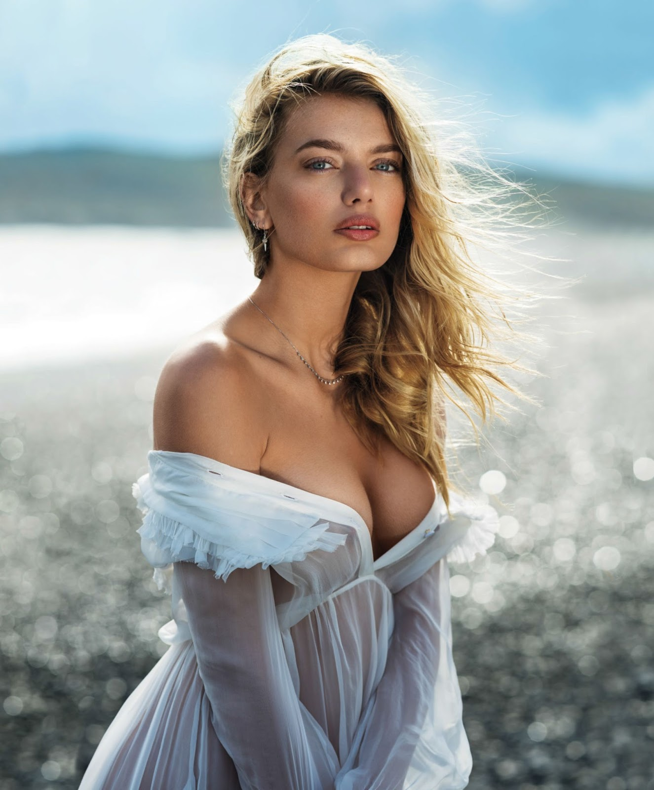 Bregje Heinen - Maxim (September 2017)