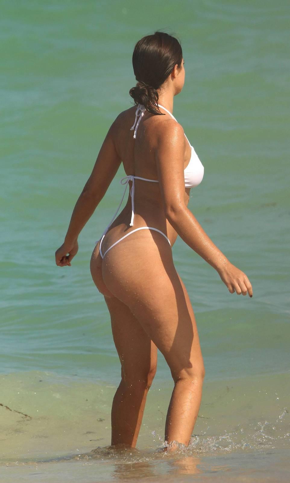 Tao Wickrath - In a bikini (Miami)
