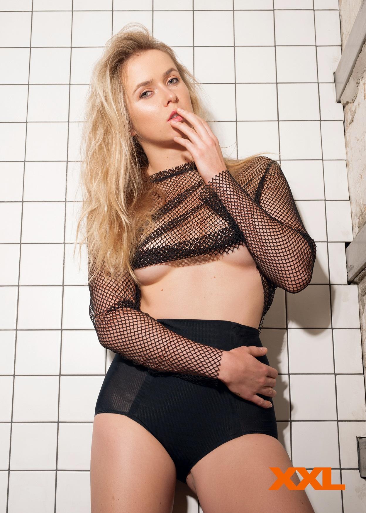 Elina Svitolina - XXL Ukraine (December 2017)