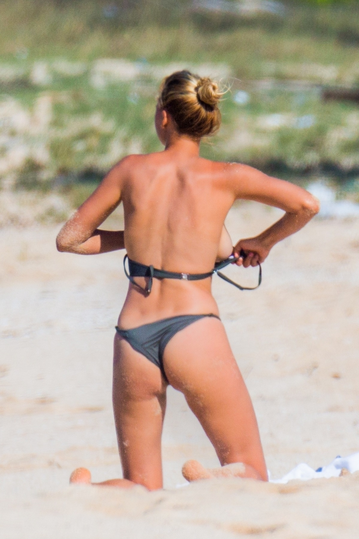 Kelly Rohrbach - Topless in Hawaii