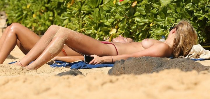 Toni Garrn - Topless in Hawaii