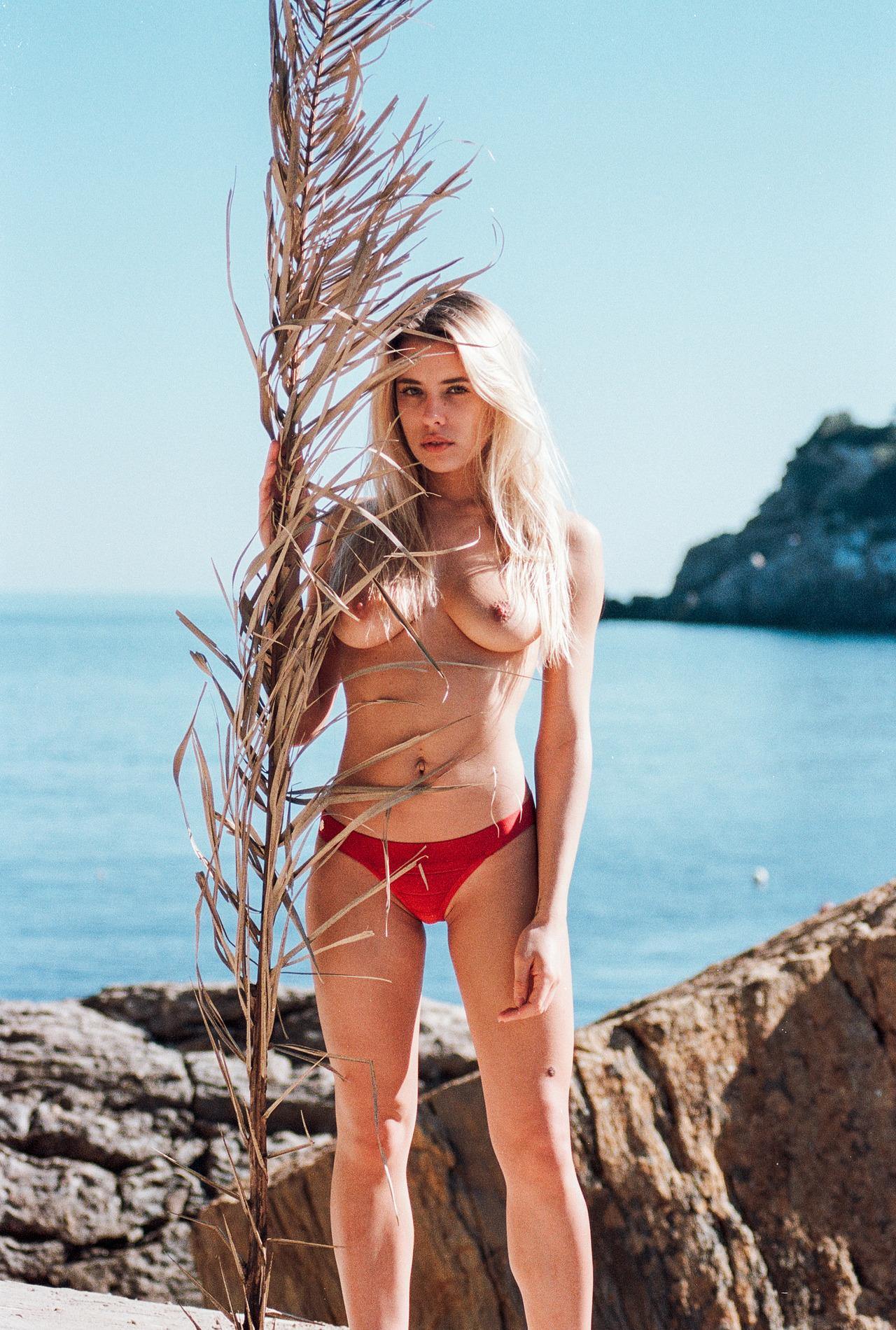 Chloe Nicolas - Guillaume Gaubert photoshoot