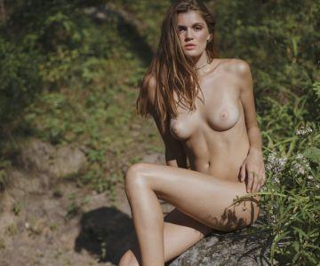 Rebekah Underhill - Jen Senn photoshoot