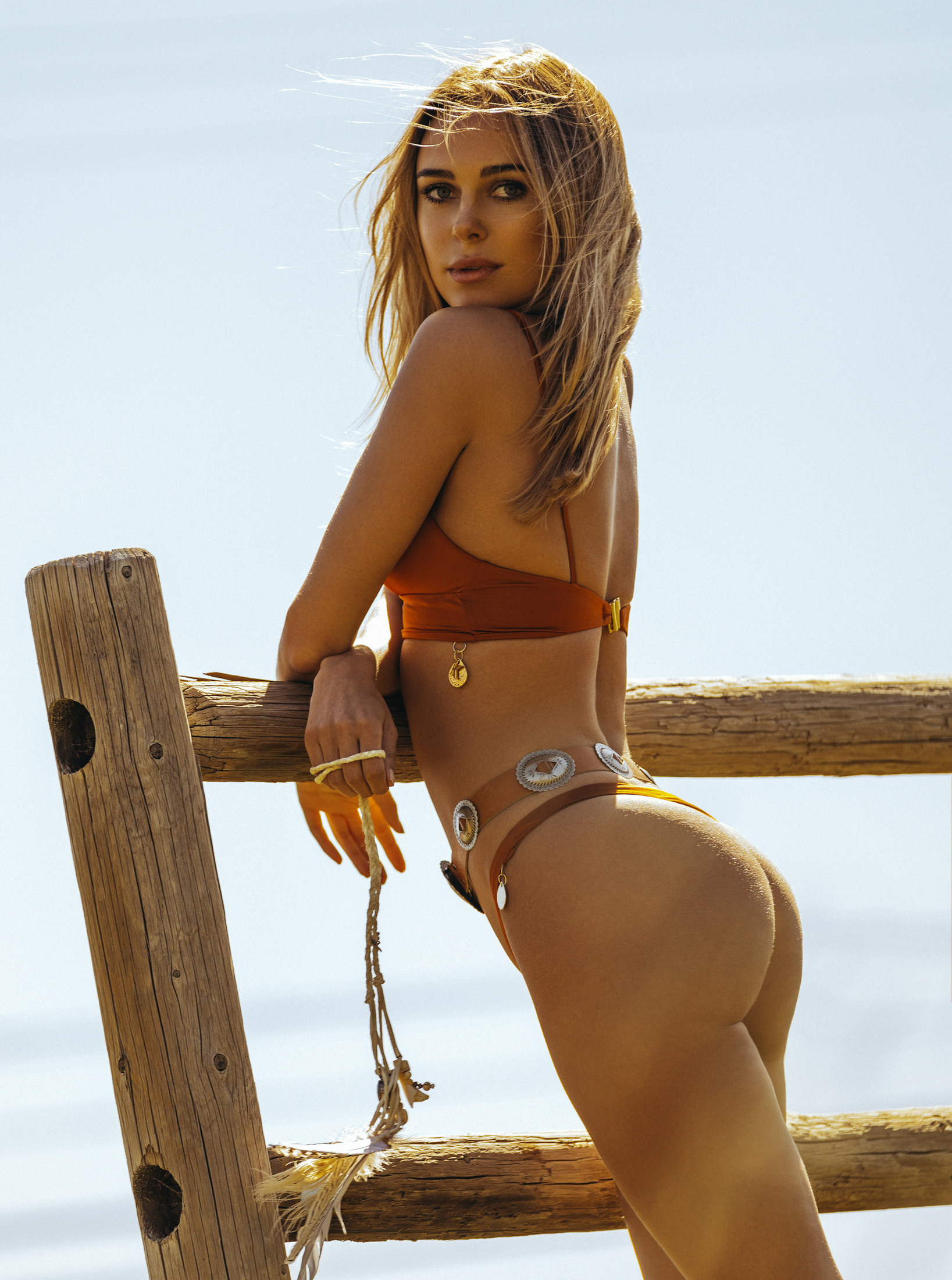 Kimberley Garner - Bikini photoshoot (California)