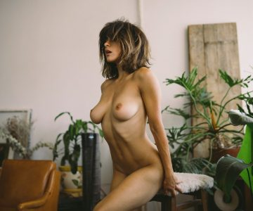 Mia Valentine - Jonathan Red photoshoot