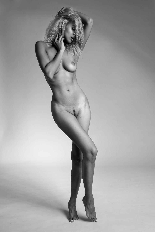 Nakriko Akpamoli - Andy Sturm photoshoot