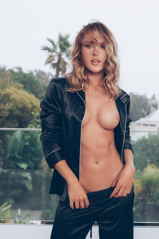 Abigail O'Neill - Kayla Varley photoshoot
