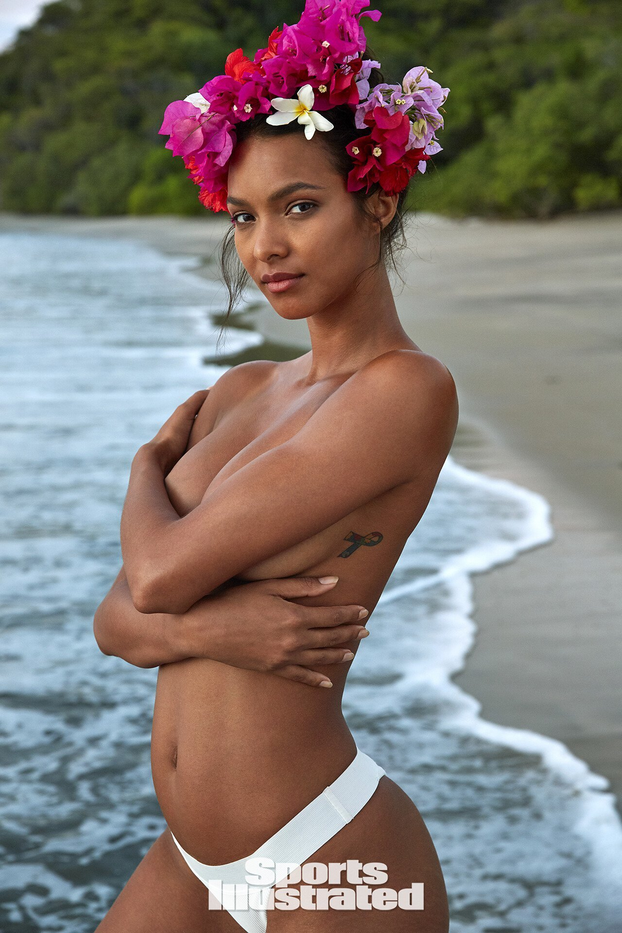 Lais Ribeiro – Sports Illustrated Swimsuit (2019)