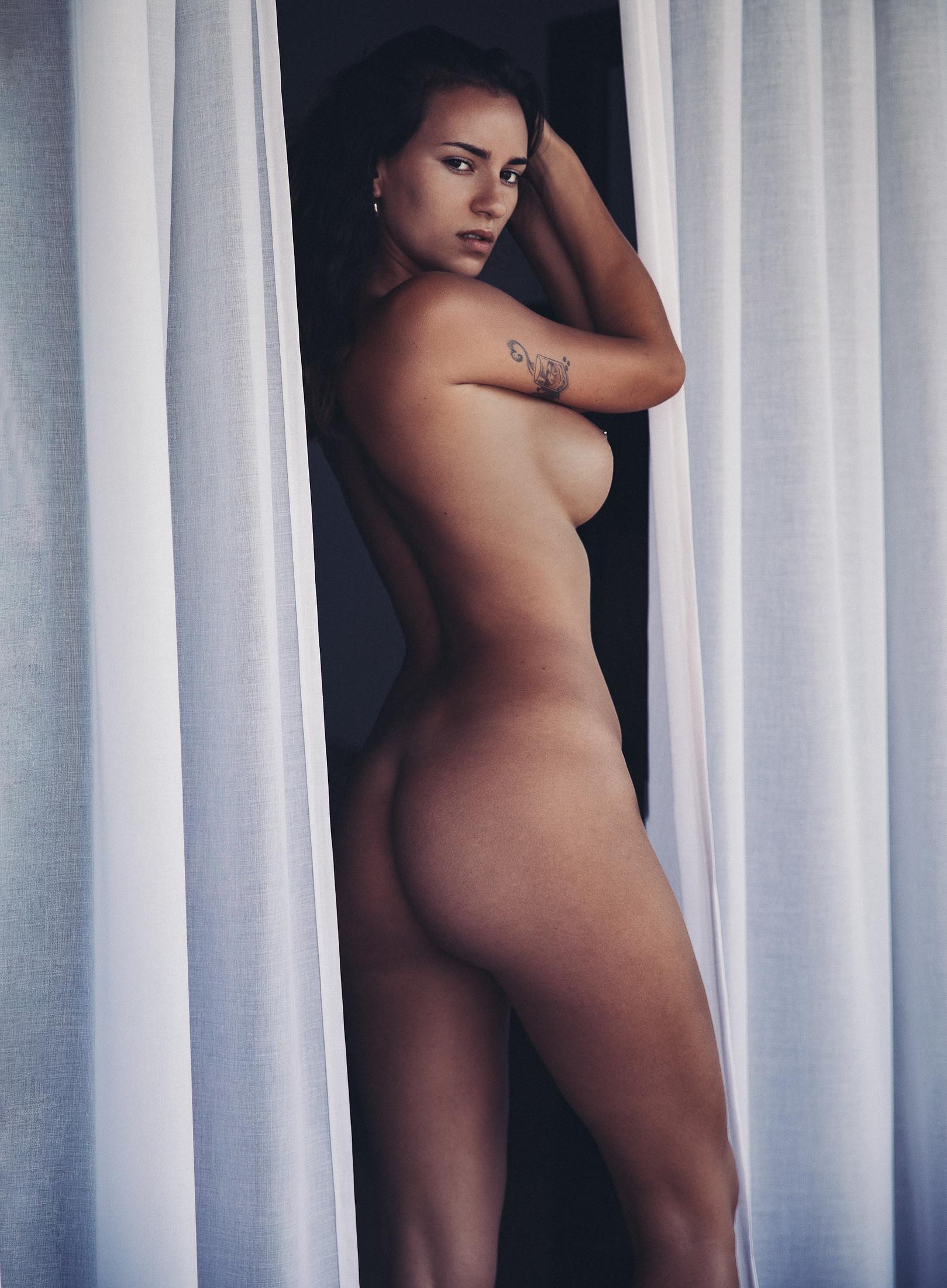 Lara - Thomas Agatz photoshoot