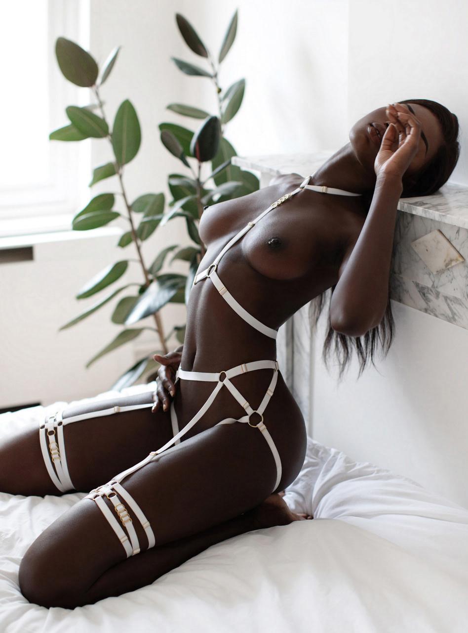 Naomi Nash - Alisa Verner photoshoot
