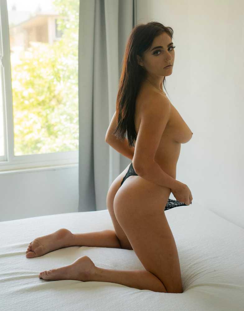 Anna Thompson - Huy Doan photoshoot