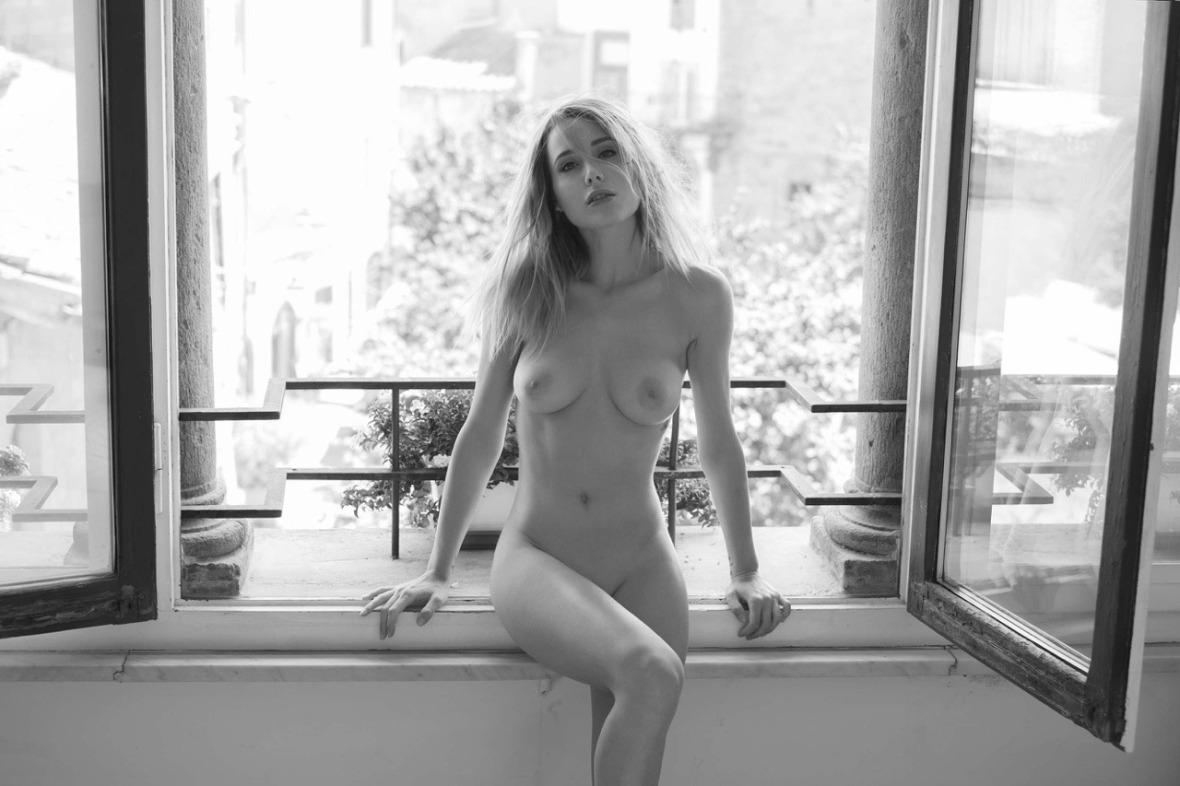 Sadie Gray - Danilo Marcucci photoshoot