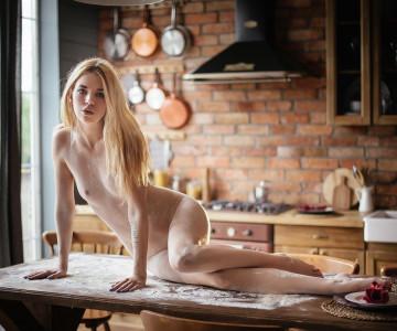 Mia Frost by Maxim Chuprin