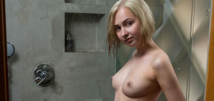 Bernie - Lush Shower (Ora photoshoot)