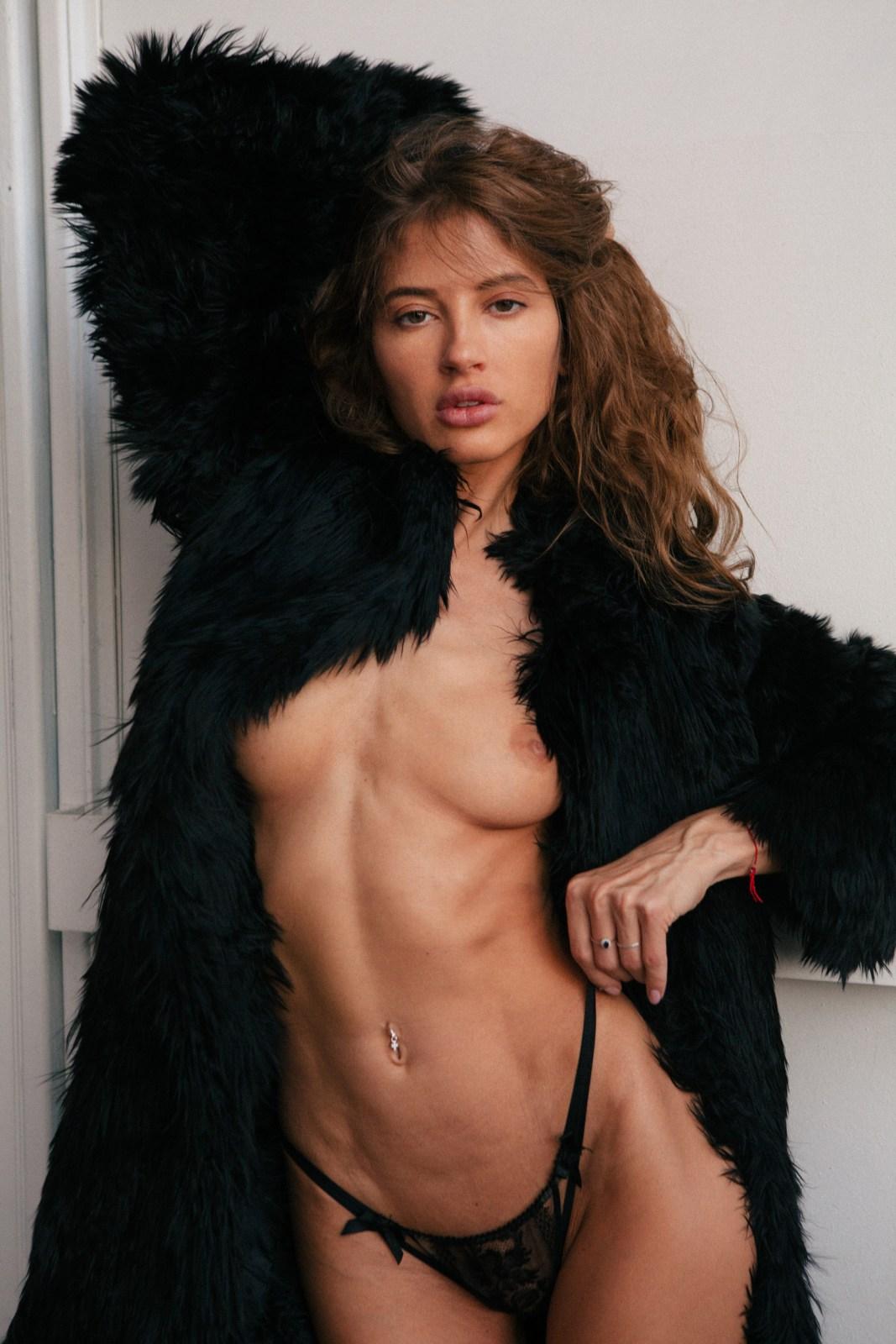 Taya Vais - Anastasia Lyskowets photoshoot