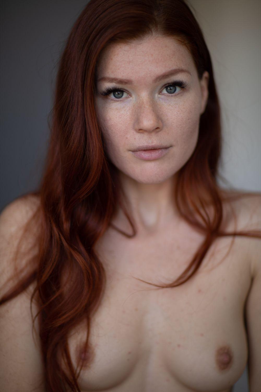 Mia Sollis - Glumchameleon photoshoot