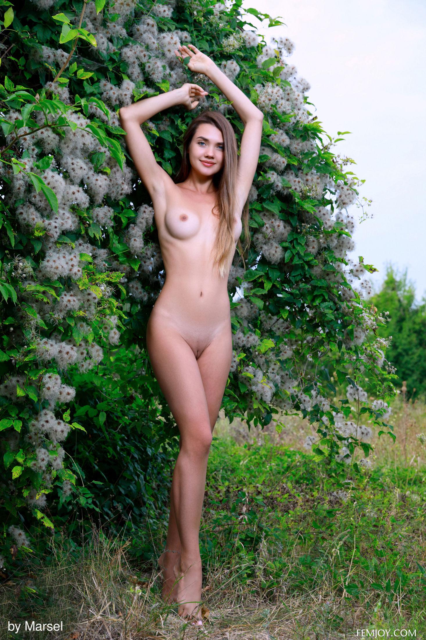 Susza - Bloom (Marsel photoshoot)